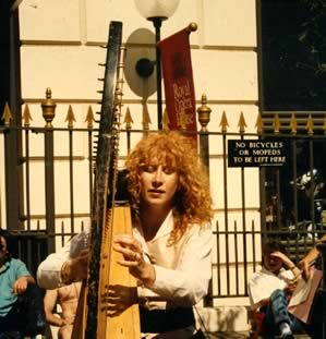 Loreena Busking in London